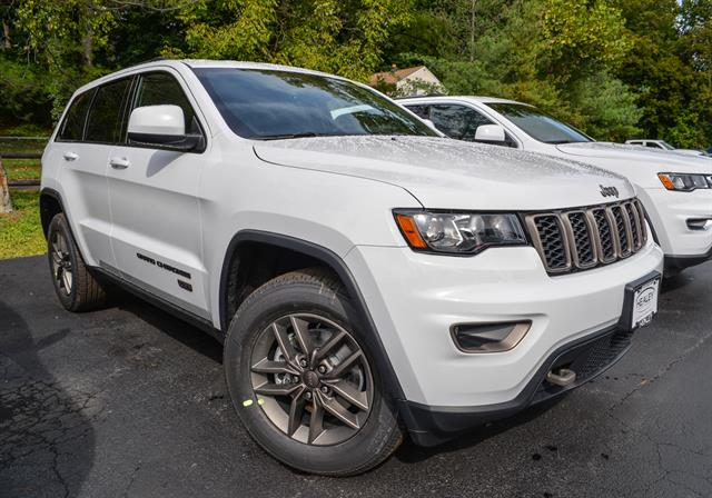 2017 Jeep Grand Cherokee - Special Offer