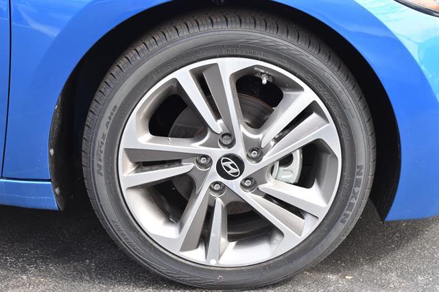 2017 Hyundai Elantra - Listing ID: 173302340 - View 6