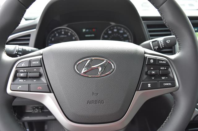 2017 Hyundai Elantra - Listing ID: 173302340 - View 18